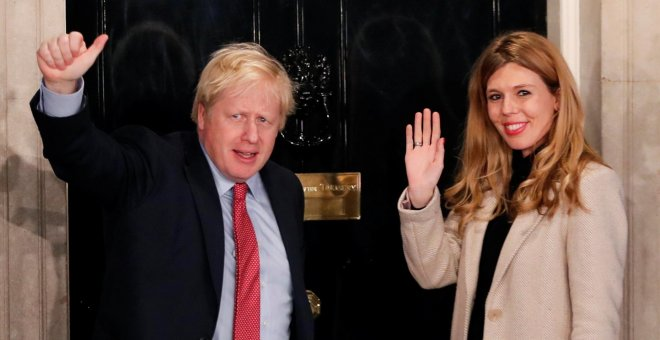 Boris Johnson logra la mayoría absoluta