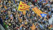 Casi 90.000 catalanes claman por la independencia en el Camp Nou