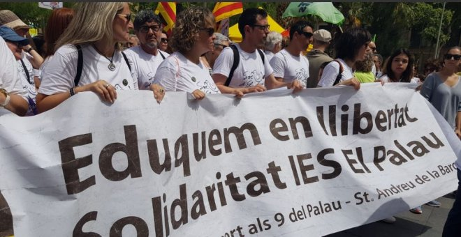 Manifestació de la comunitat educativa en defensa dels professors denunciats per adoctrinament