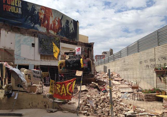 El ayuntamiento de barcelona precinta 39 can vies 39 por no for Permiso de obras barcelona