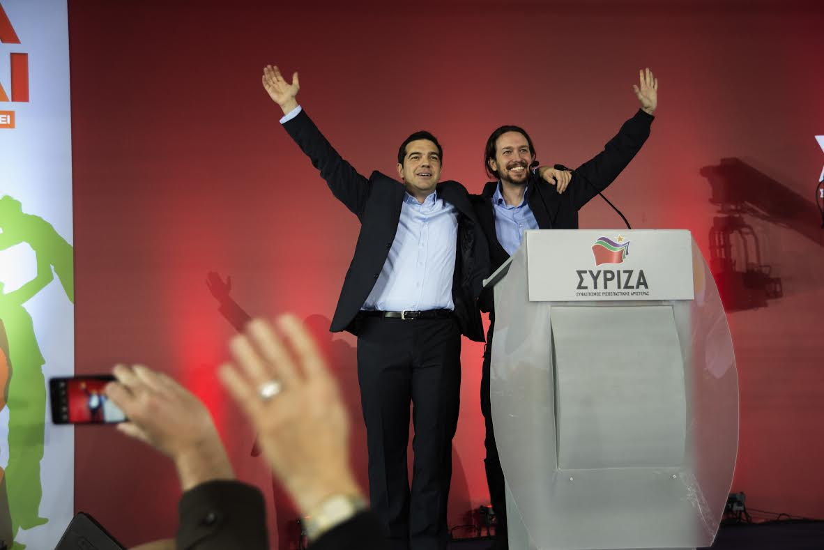 ¿Cuánto mide Alexis Tsipras? - Real height 54c2382435aa0