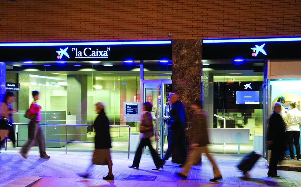 Caixabank plantea un ere para 750 personas seg n los for Oficinas la caixa burgos