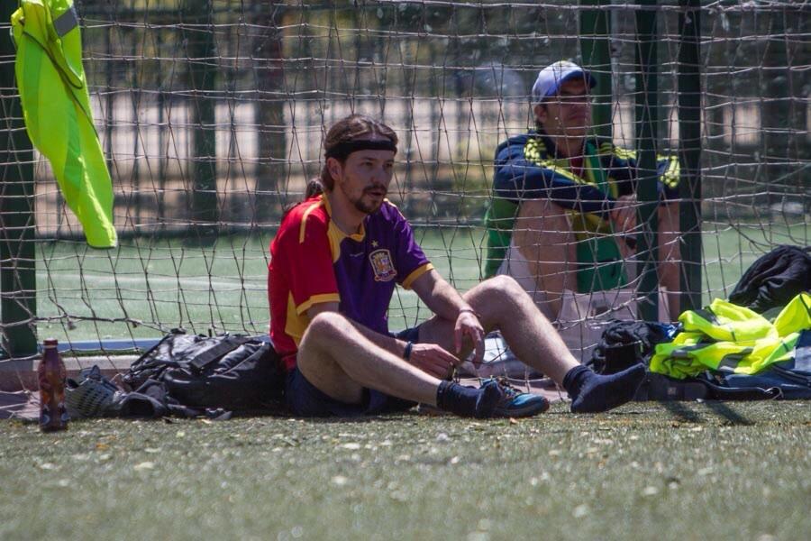 Pablo Iglesias Juega Una Pachanga De Futbol En La Jornada De