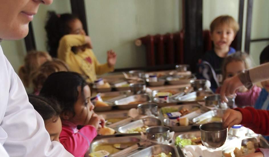 El Ayuntamiento de Madrid estudia cómo dar comida a los niños ...