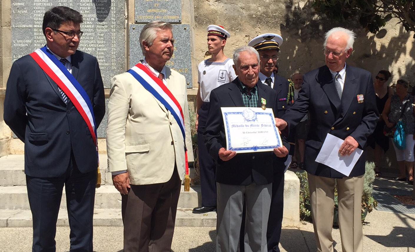 Soriano (centro), en el homenaje recibido ayer, en el Día Nacional de Francia.