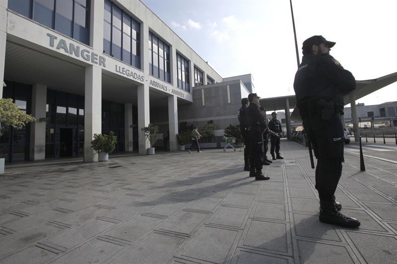 Int rpretes de la polic a nacional denuncian la - Policia nacional algeciras ...