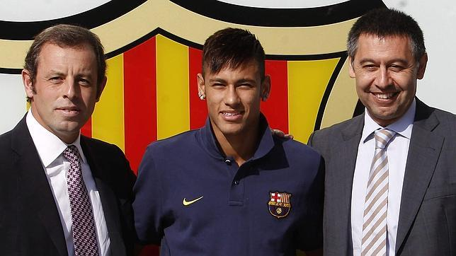 El juez abre juicio oral a Neymar, Bartomeu, Rosell y el Barça por el fichaje del brasileño