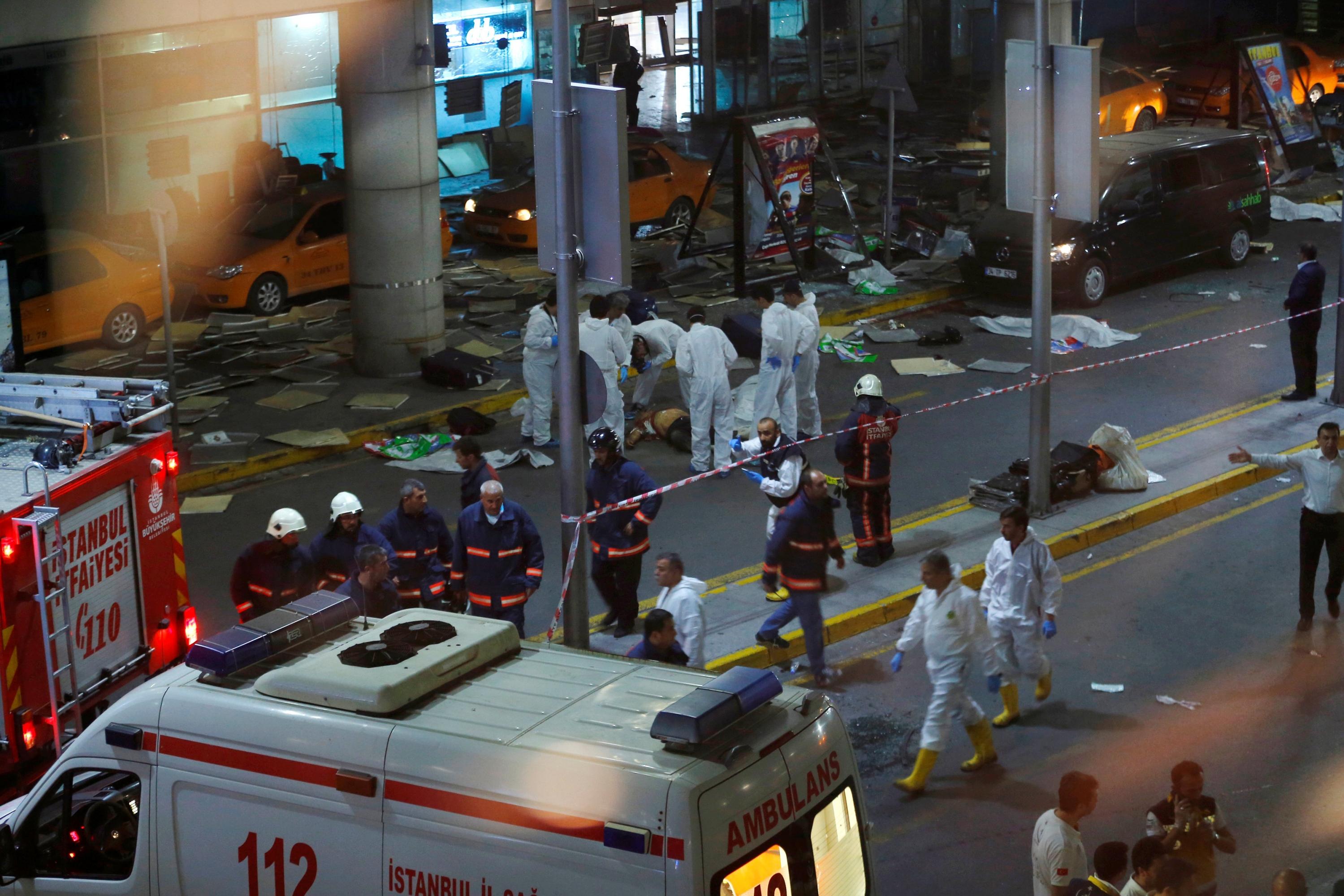 Un atentado en el aeropuerto de Estambul causa 42 muertos y al menos 238 heridos