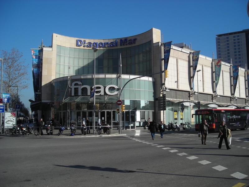 Deutsche bank compra el mayor centro comercial de catalunya p blico - Centro comercial maquinista barcelona ...