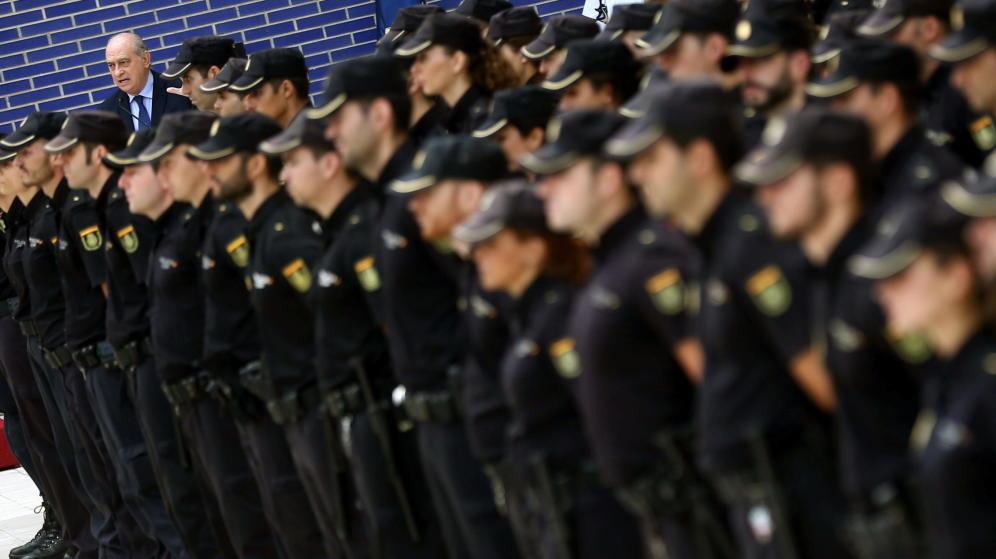 Polic as y militares heridos en acto de servicio llevan al for Ministro de la policia nacional