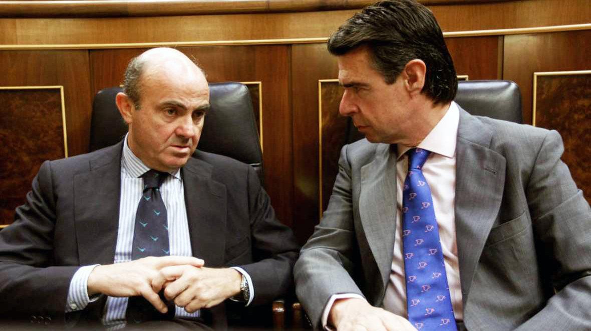 La oposición se une para forzar que Guindos acuda al Pleno del Congreso por el caso Soria
