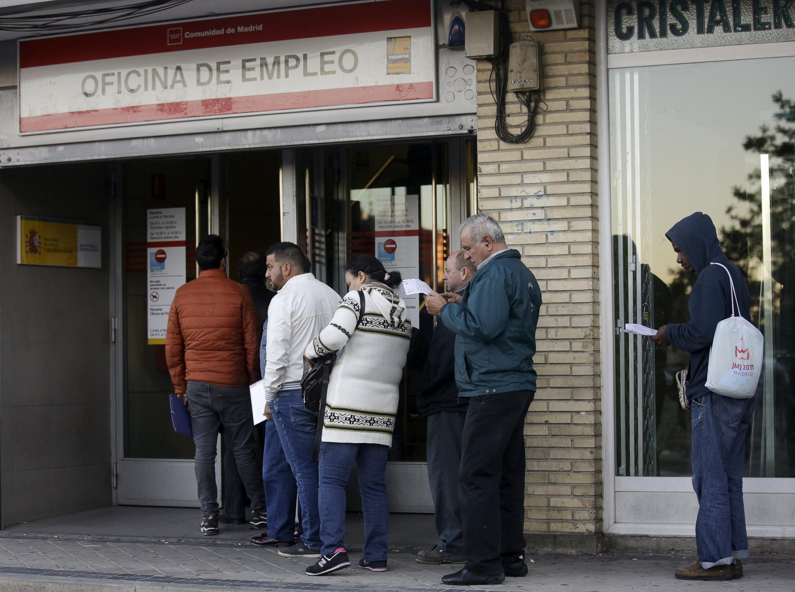 Casi el 42 de los desempleados no cobra prestaci n p blico for Oficina recaudacion madrid