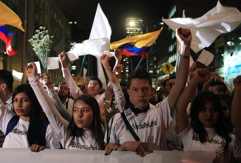 Resultado de imagen para jovenes marcha colombia