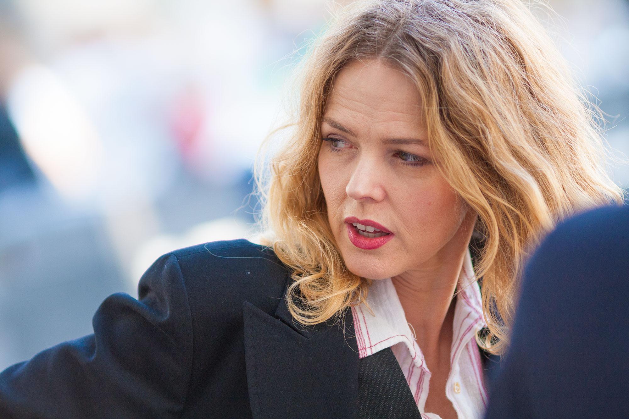 Christina Rosenvinge Cuando Los Políticos Se Corrompen Contaminan