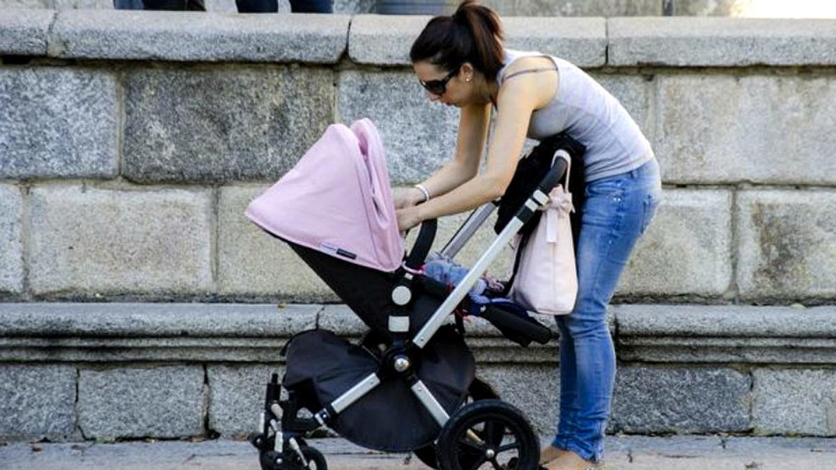 5c35831b7 IRPF maternidad A las rentas más bajas no les devolverán el IRPF de la baja de  maternidad