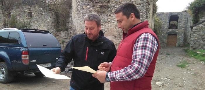 El consejero de Vertebración del Territorio de Aragón, José Luis Soro, en una visita a Jánovas.