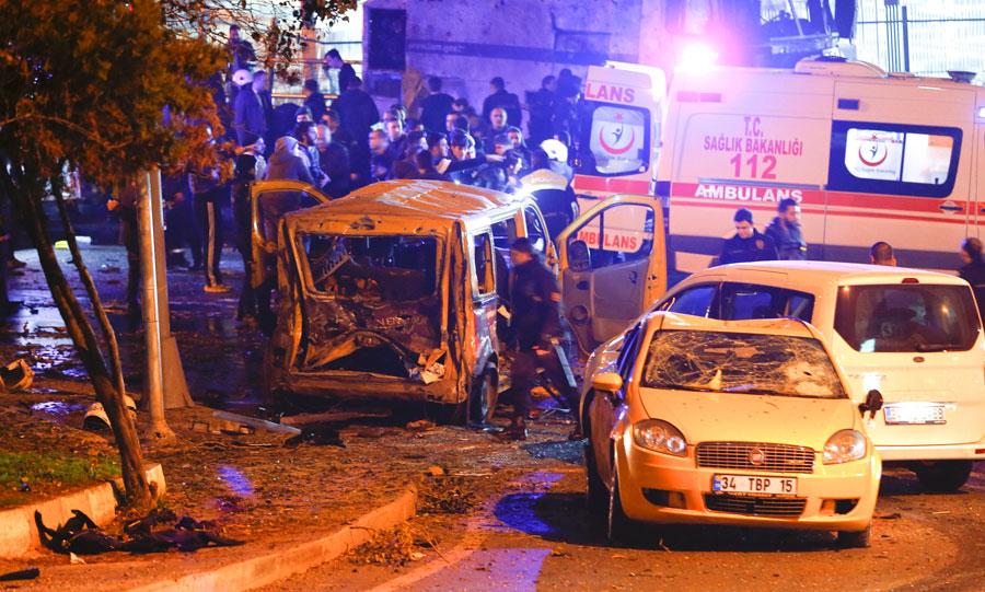 Imagen de los alrededores del estadio tras la detonación.- REUTERS