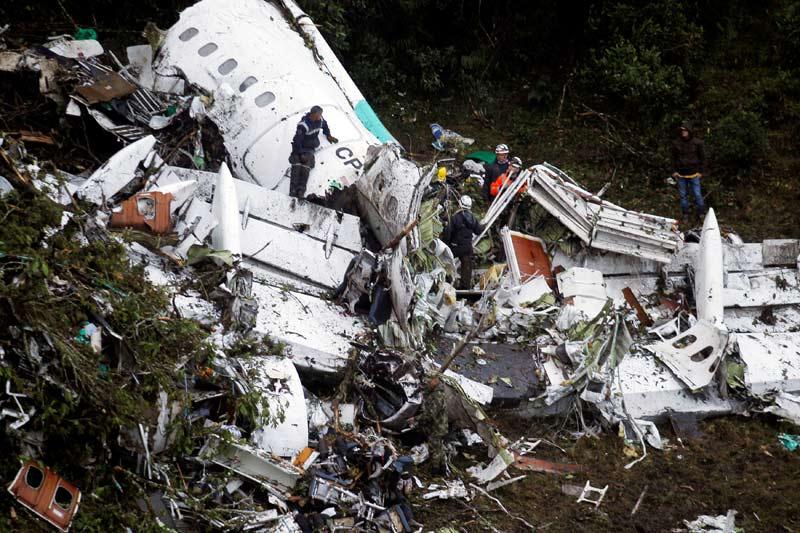 El avión del Chapecoense se estrelló por un fallo humano: el piloto descartó hacer una escala y repostar pese a ir justo de comb