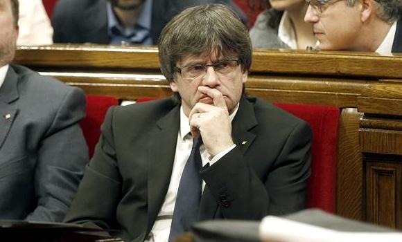 Puigdemont reafirma en Bruselas su intención de celebrar un referéndum sobre la independencia de Catalunya en septiembre. EFE