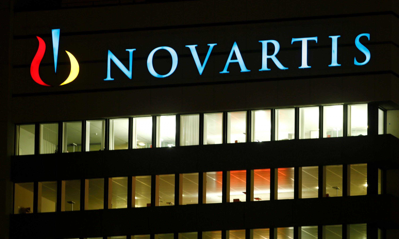 Estudia Escindir Sacar O Bolsa Oftalmológico Negocio Novartis A Su IWH2ED9