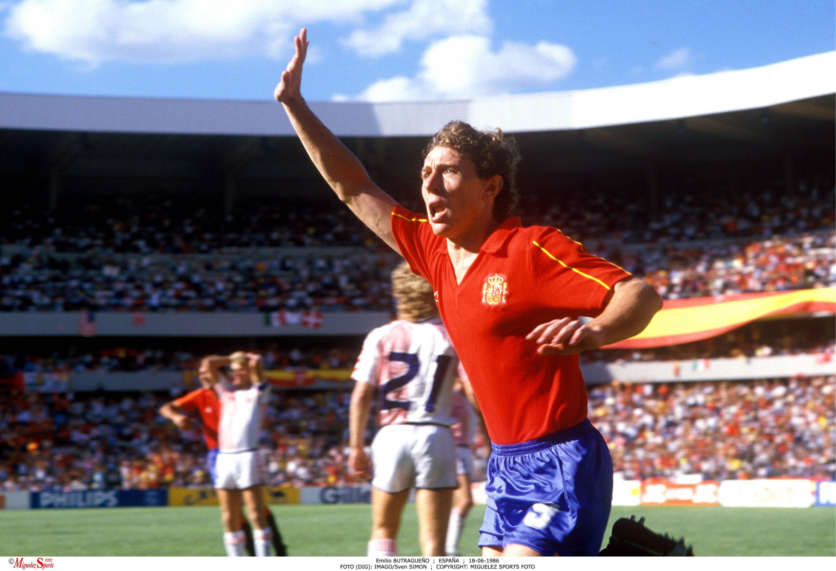 Resultado de imagen de foto de gol de butragueño a dinamarca 1986