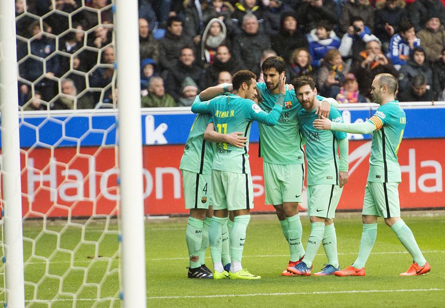 El Barcelona hace un set en blanco al Alavés en Mendizorroza