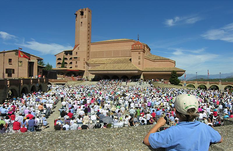 Los últimos miembros del Opus Dei ejercen de lobby en las principales  estructuras del Estado | Público