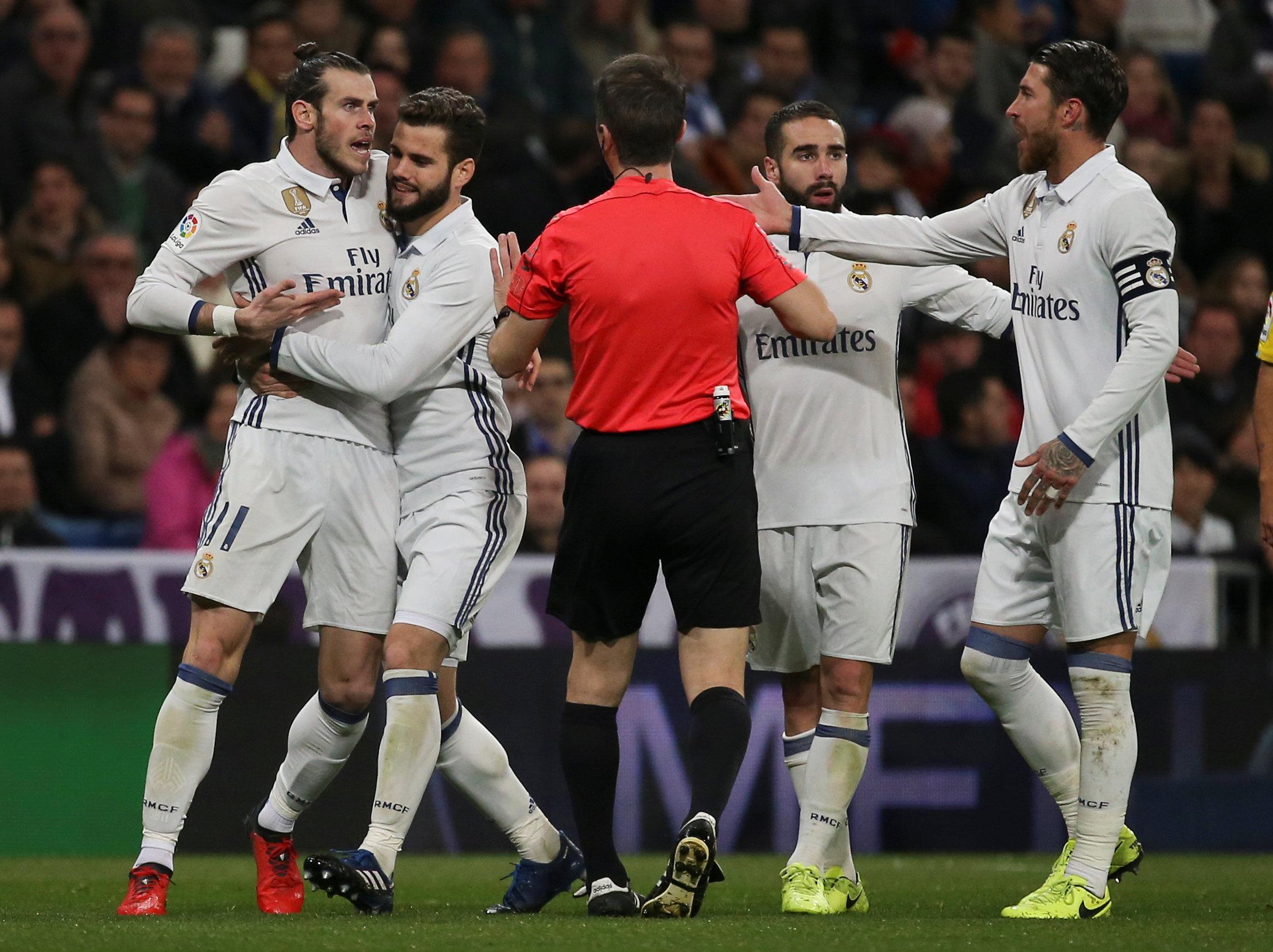 Un ataque de locura de Bale baja del liderato al Real Madrid
