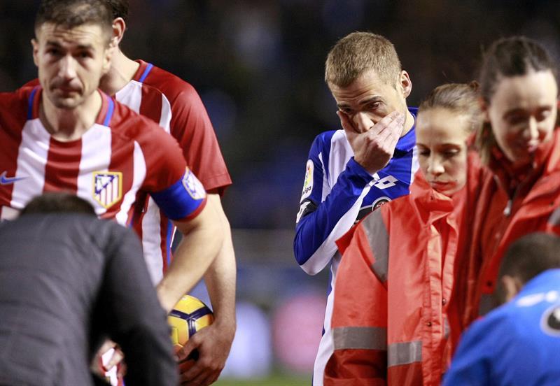 Deportivo y Atlético empatan en un partido marcado por el susto de Fernando Torres