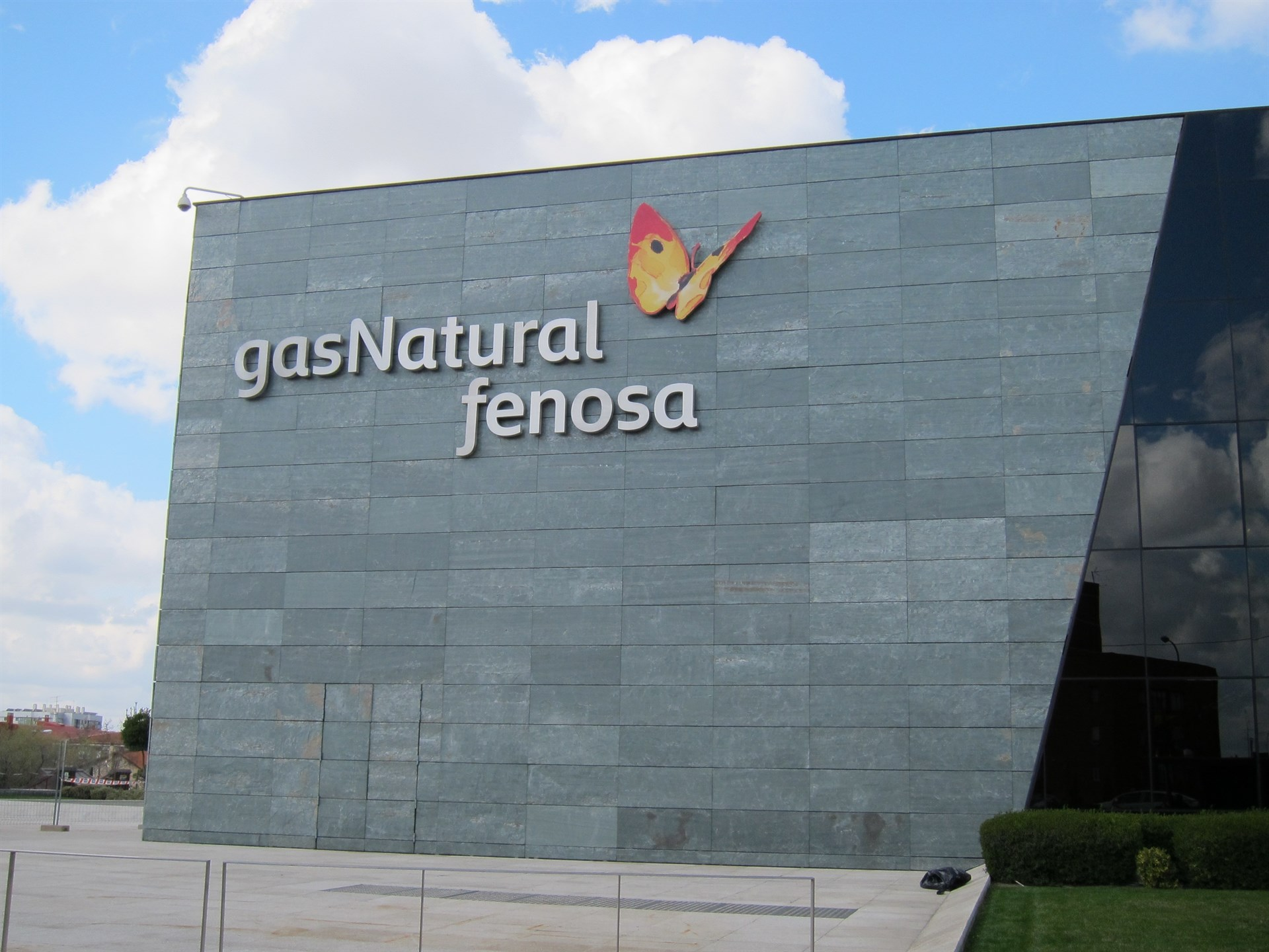 El supremo confirma la multa de un mill n a gas natural for Oficinas gas natural fenosa madrid