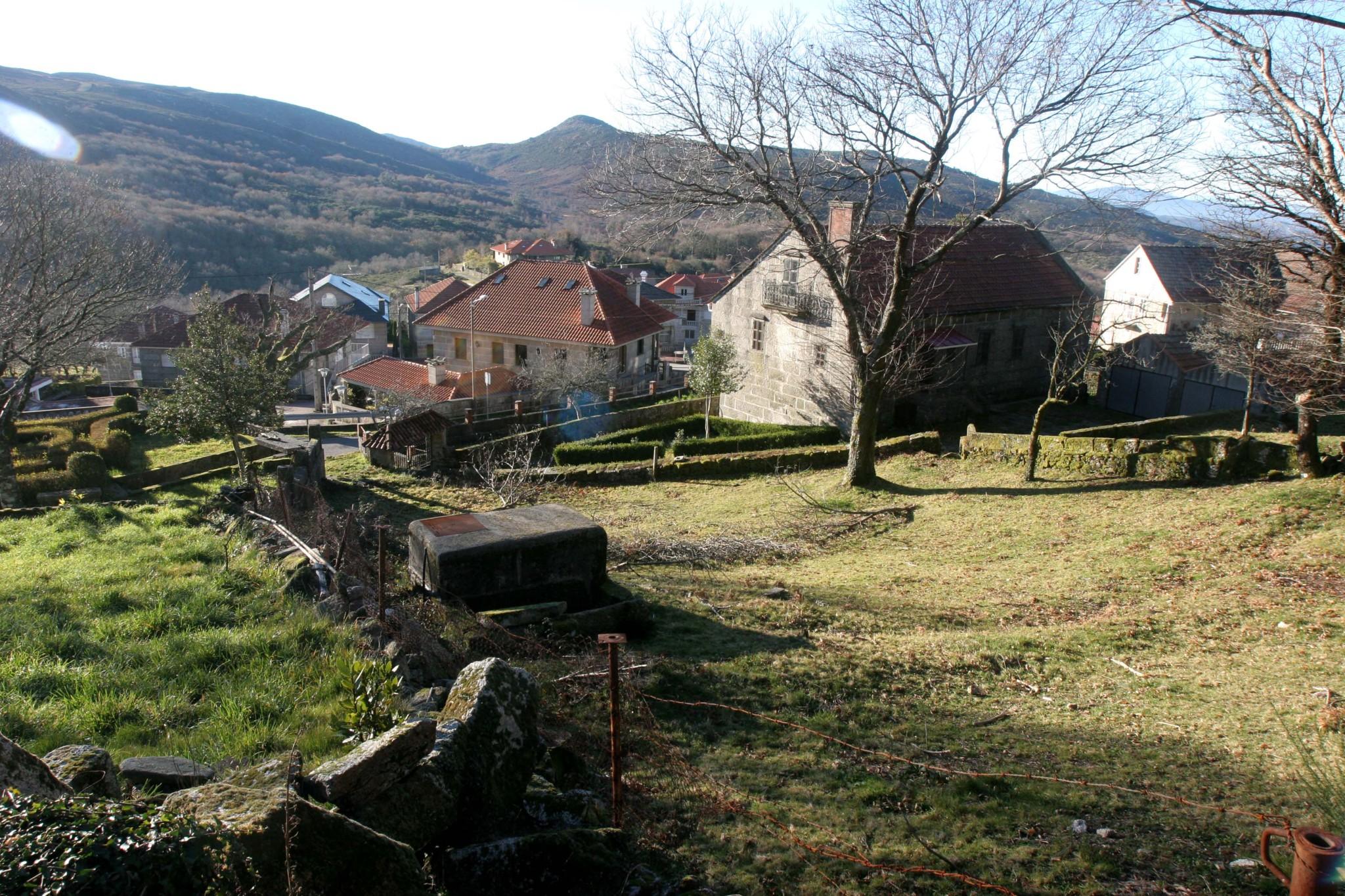 Espa a rural el 35 de la poblaci n rural en espa a vive - Casa rural pueblos negros ...