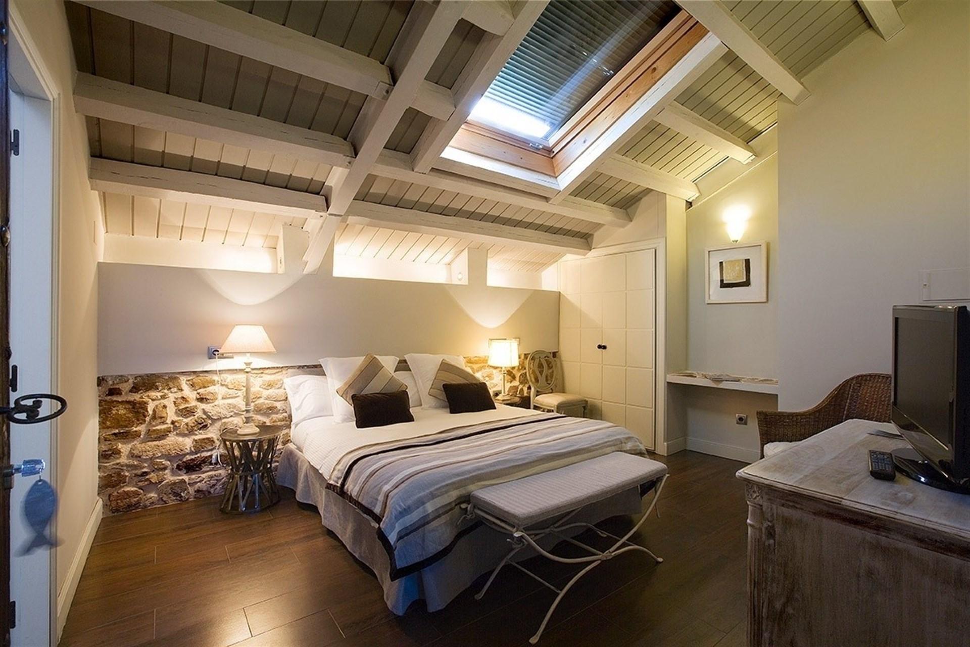 Detenido por dormir en 13 hoteles de lujo de madrid y - Hoteles con encanto siguenza ...