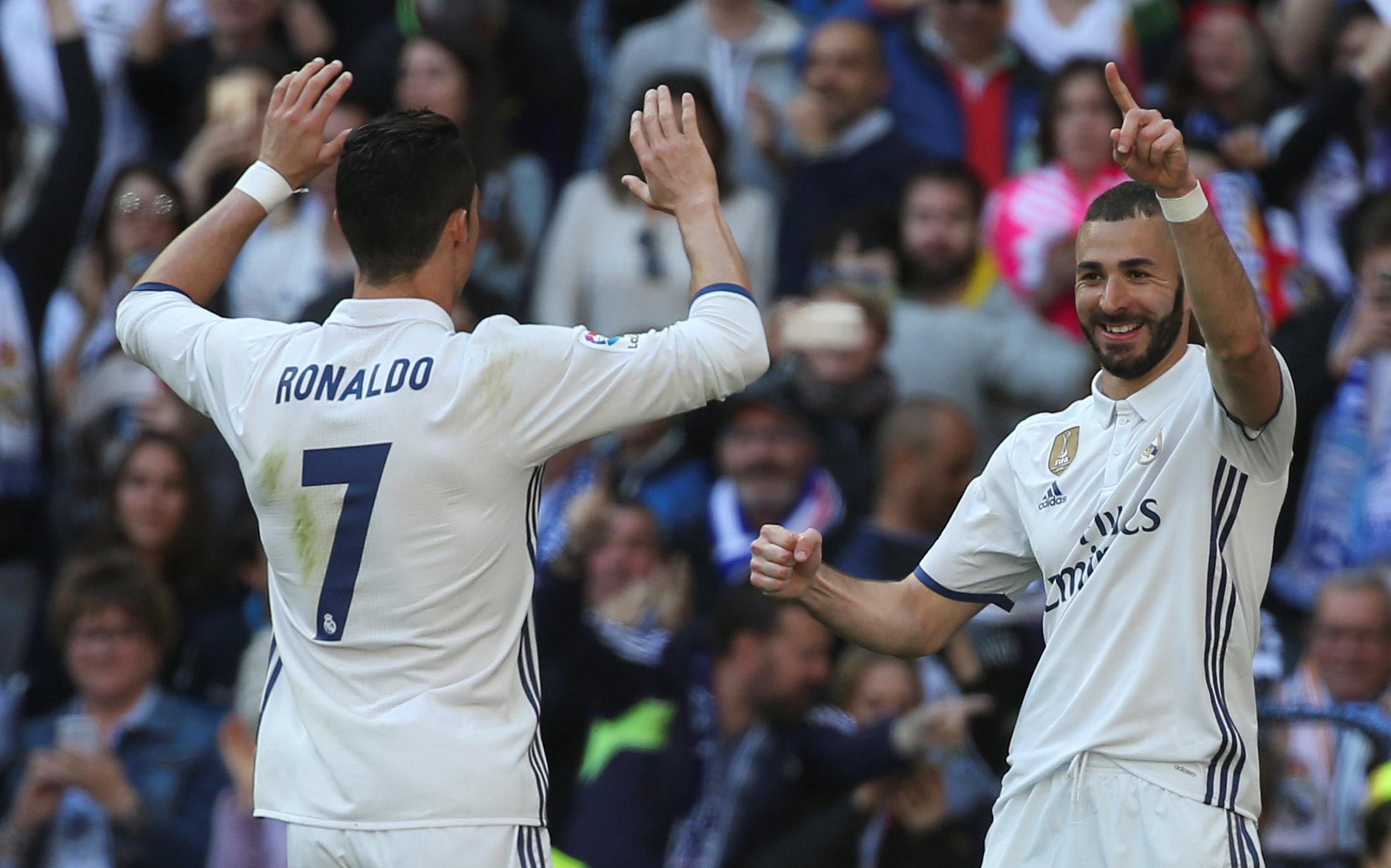 El Real Madrid vence 3-0 al Alavés y mete presión al Barcelona