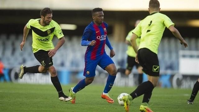 Un jugador del Eldense acusa a cuatro compañeros de amañar el 12-0