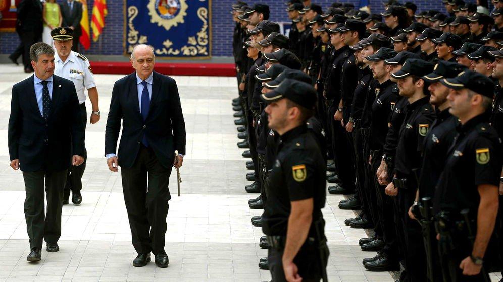 Las cloacas de interior el psoe ayuda a pp y c 39 s los for Ministro de la policia nacional