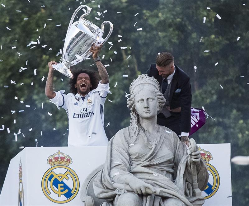 El Bernabéu echa el cierre a una jornada festiva y una temporada triunfal
