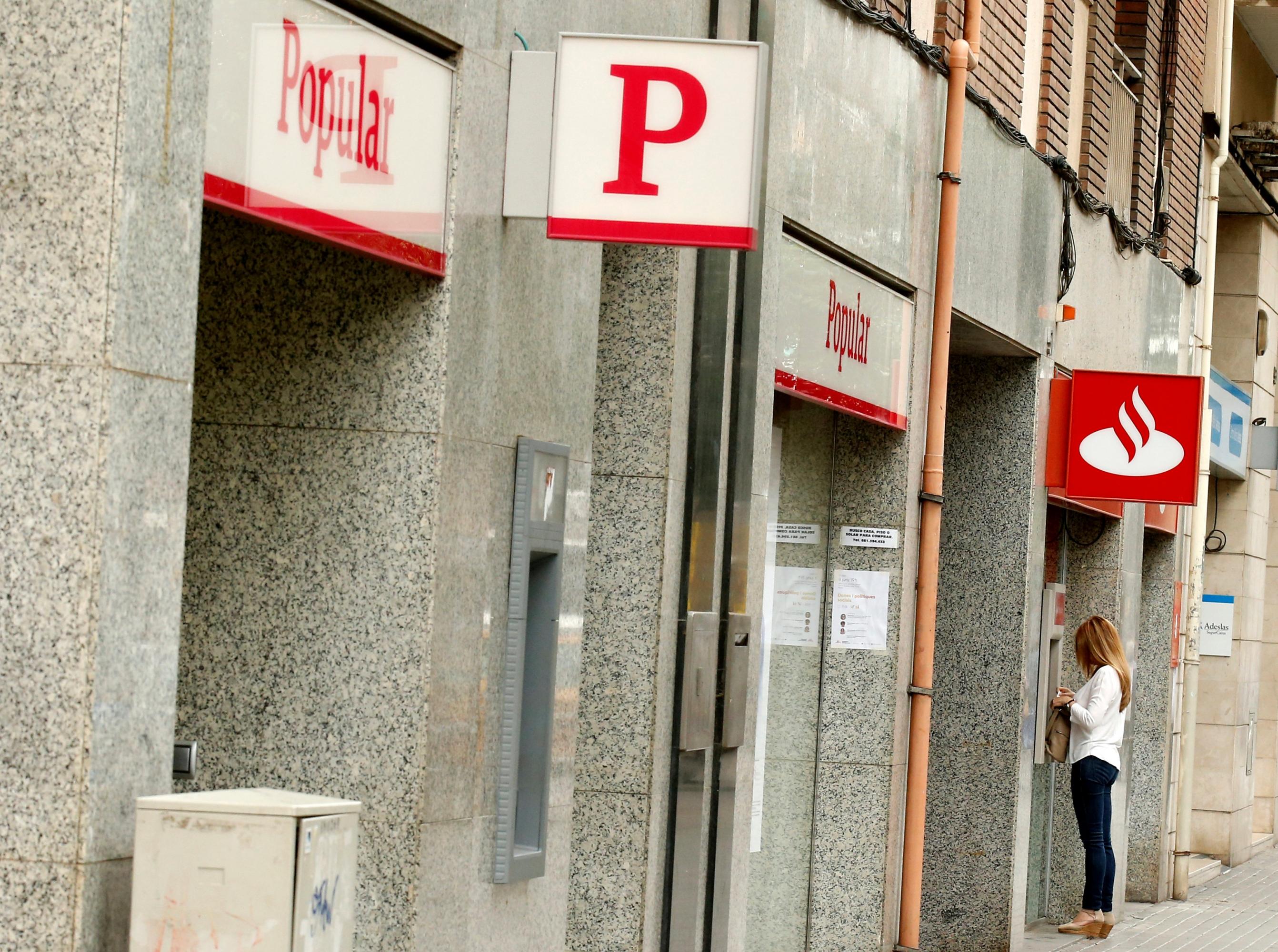 Tras la ca da del sexto banco espa ol la oligarqu a for Oficinas banco santander en barcelona