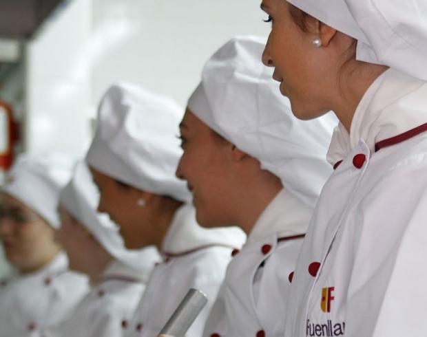 Pol mica por la fp en alcorc n cocina y moda para ellas - Temario fp cocina y gastronomia ...