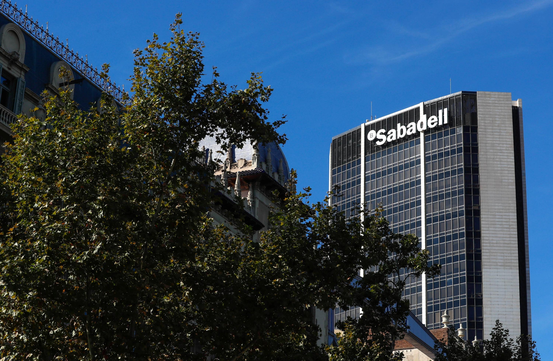Catalunya el sabadell traslada su sede social a alicante for Oficinas bbva alicante