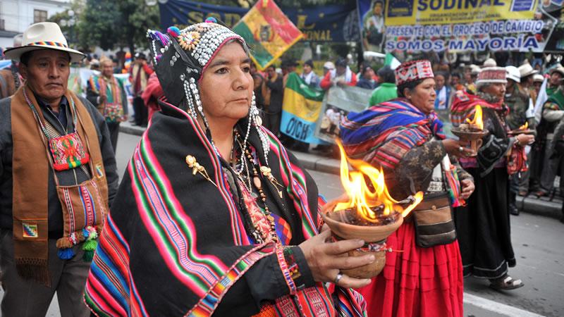 El 12 De Octubre Latinoamérica Se Viste De Indígena Con Orgullo