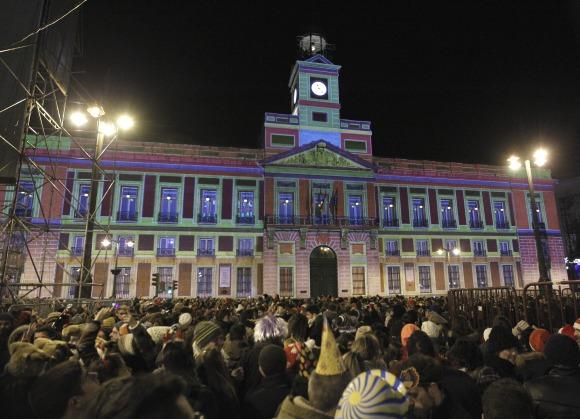 El reloj de la puerta del sol el espa ol exiliado que se for Puerta del sol 2017
