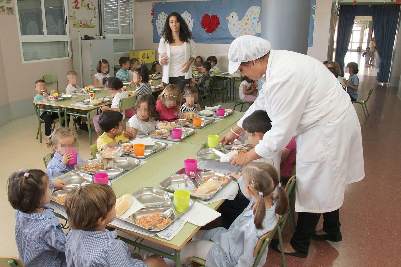 Andalucía prohíbe vender Coca-Cola y \'Bollycao\' en colegios bajo ...