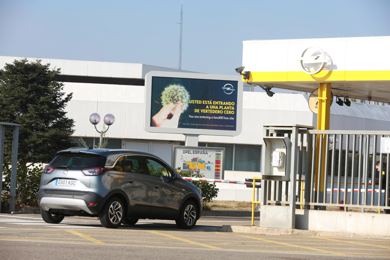 Referendum laboral: La plantilla de Opel firma la continuidad de la ...