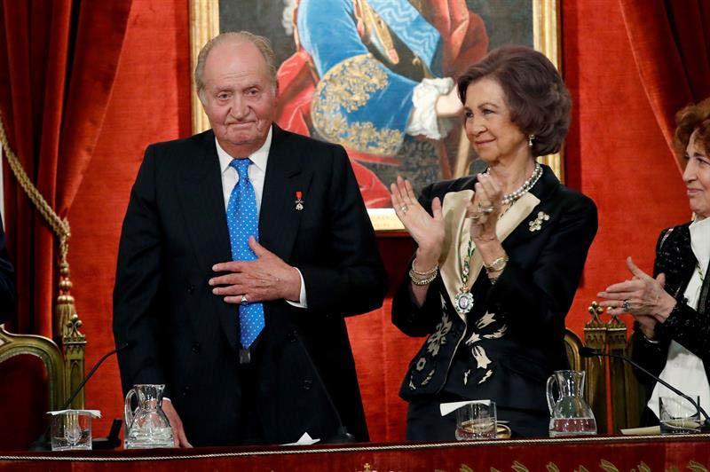 Rey Emérito El Rey Juan Carlos Aparca La Autocrítica Y Expresa Su