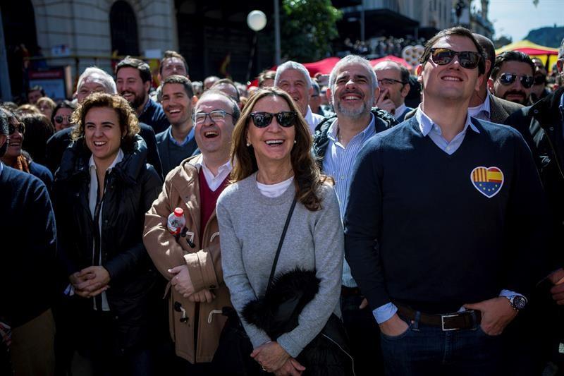 Societat civil catalana: SCC reúne a 7 000 persones en su tercera