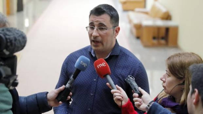 Dimite el diputado de Podemos que dijo en su currículum que era ...