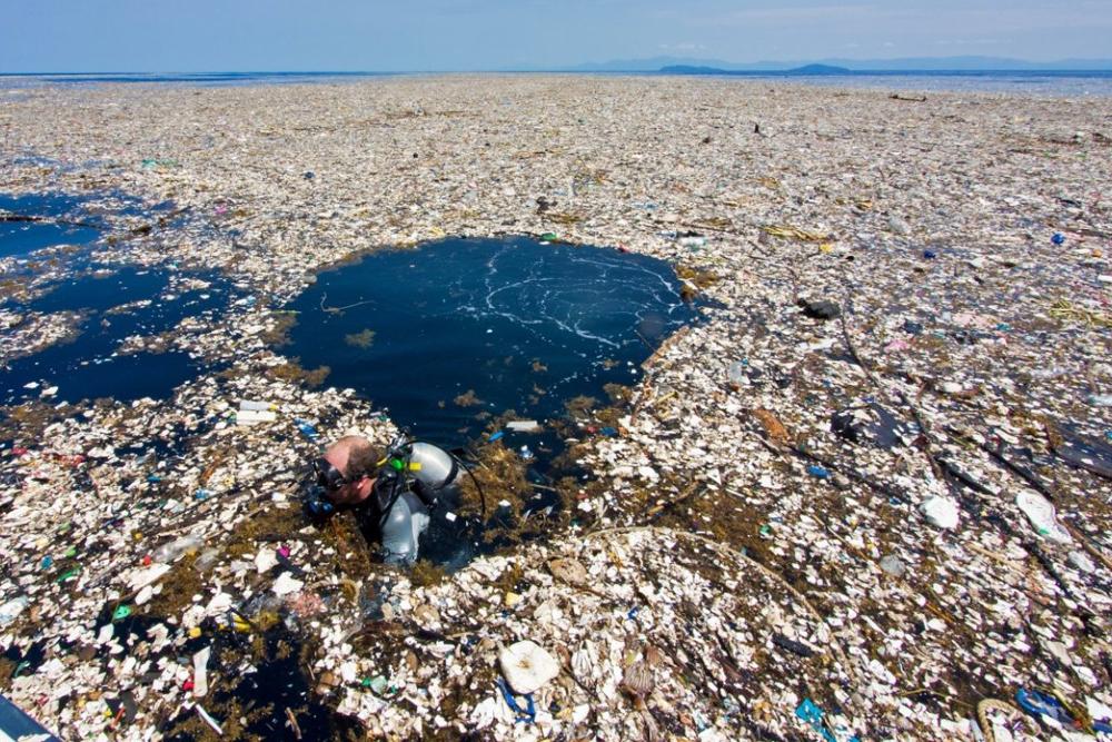 Resultado de imagen de islas de plasticos en el mar