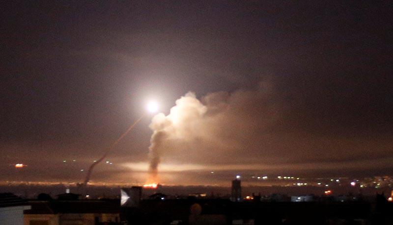 Oriente Medio: Israel lanza el mayor bombardeo en Siria desde 1973 en respuesta a un ataque de Irán un día después de la ruptura del pacto nuclear   Público