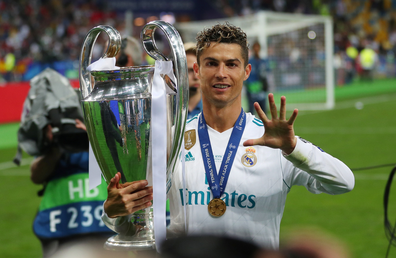 Cristiano Ronaldo  El Real Madrid vende a Cristiano a la Juventus ... 87660fbbef98c