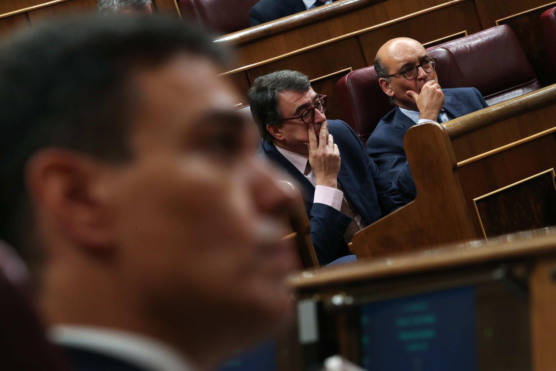 Resultado de imagen de Pedro Sanchez con los catalanes, los vascos y los de Podemos